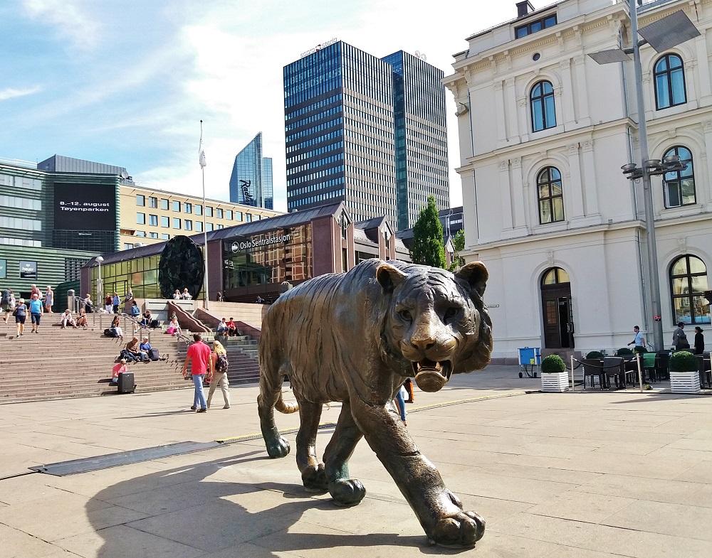 Tigre de bronze d'Elena Engelsen pour le millénaire d'Oslo en 2000